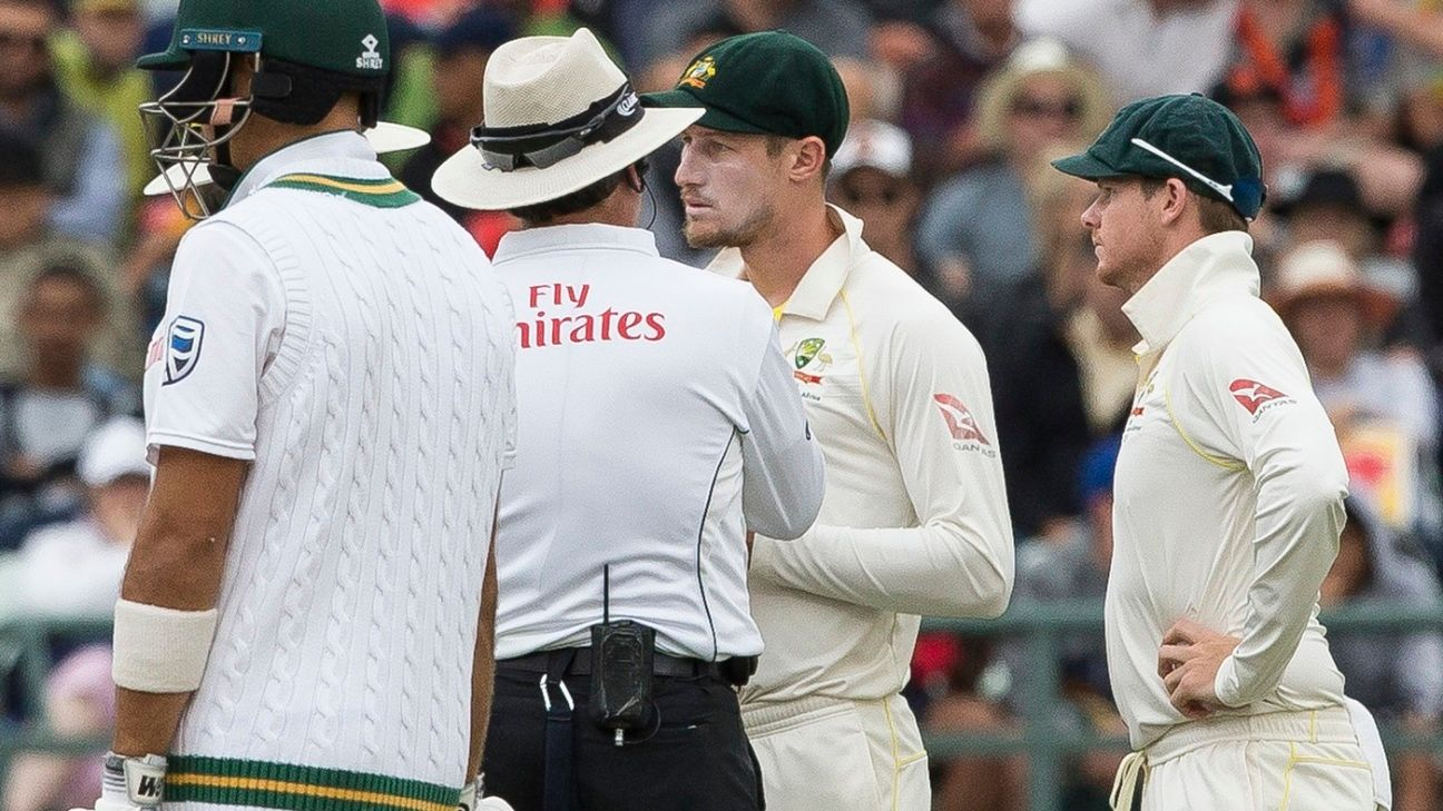 Bancroft, Smith admit to ball-tampering
