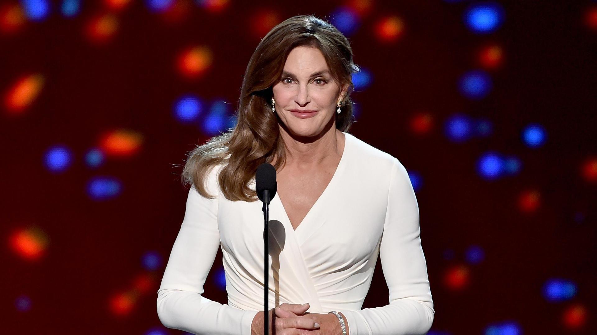 http://a3.espncdn.com/combiner/i?img=%2Fmedia%2Fmotion%2F2015%2F0716%2Fdm_150715_Caitlyn_Jenner_Speech242%2Fdm_150715_Caitlyn_Jenner_Speech242.jpg&w=943&h=530