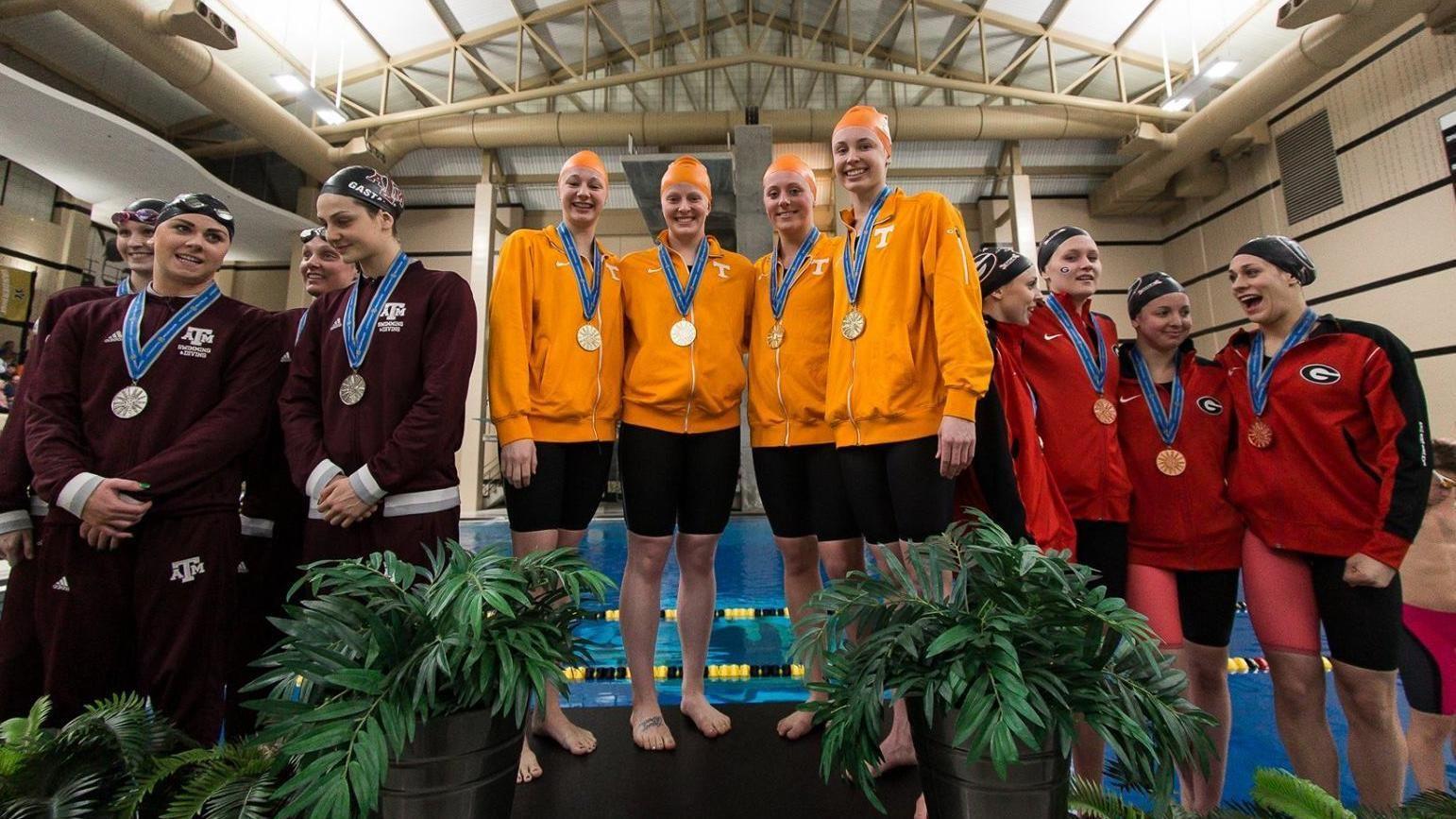 Auburn Men Uk Ut Women Lead Sec Swimming Diving