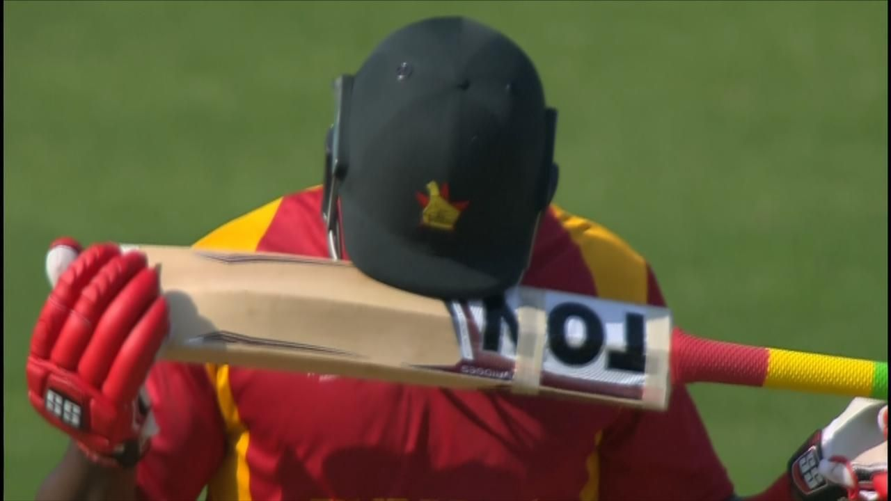 Watch masakadza 39 s farcical run out espn video for Farcical run out