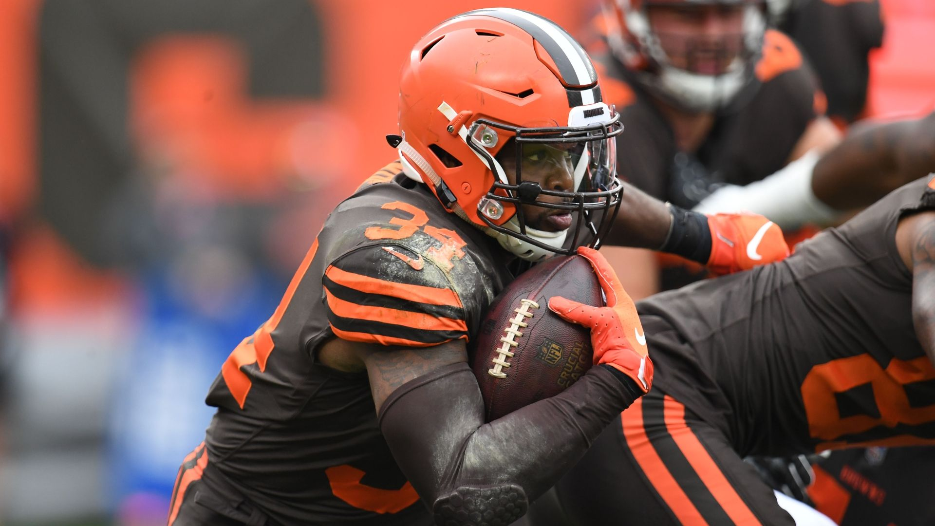 Browns show belief in Nick Chubb with trade of Carlos Hyde