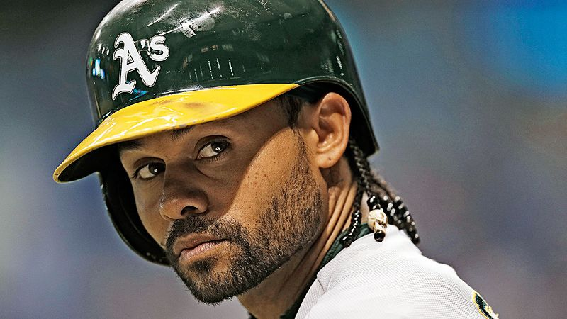 Coco Crisp staying with A's