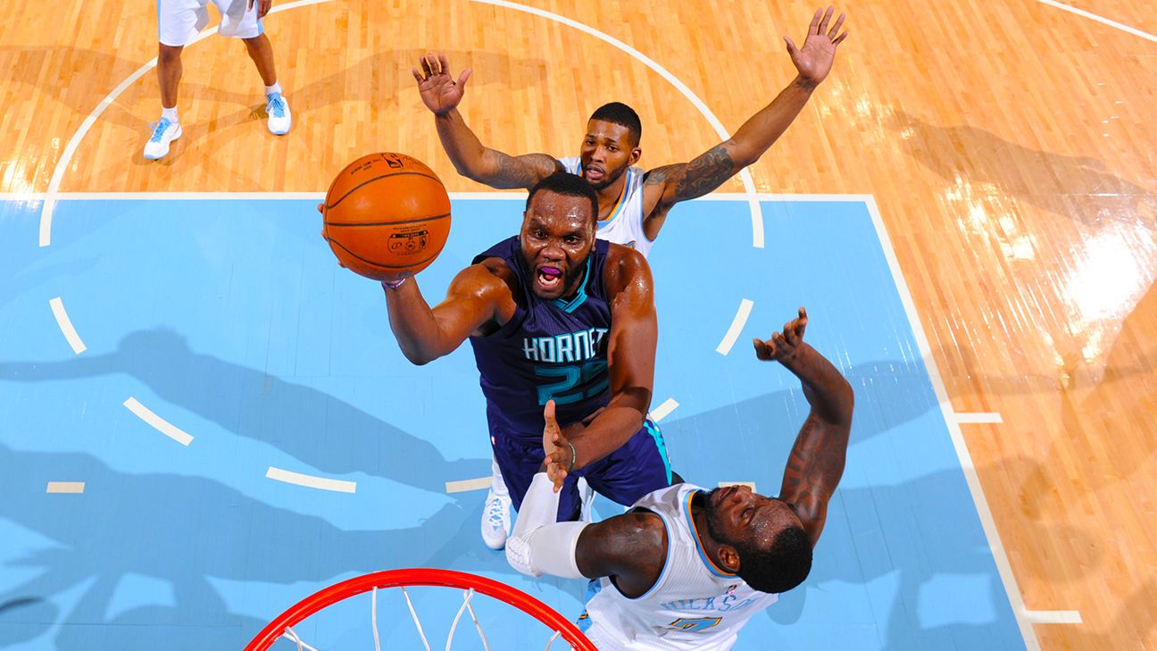 Al Jefferson of Charlotte Hornets to bypass free agency ...
