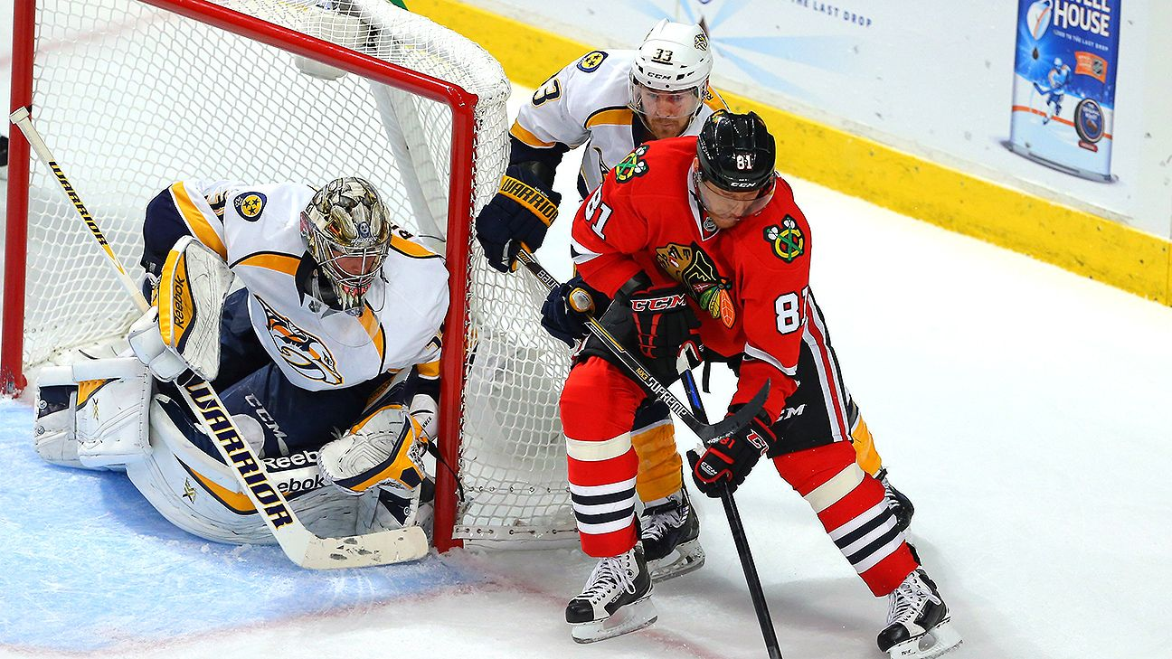 Seabrook delivers another timely goal to win Game 4 for the Blackhawks - Chicago Blackhawks Blog - ESPN