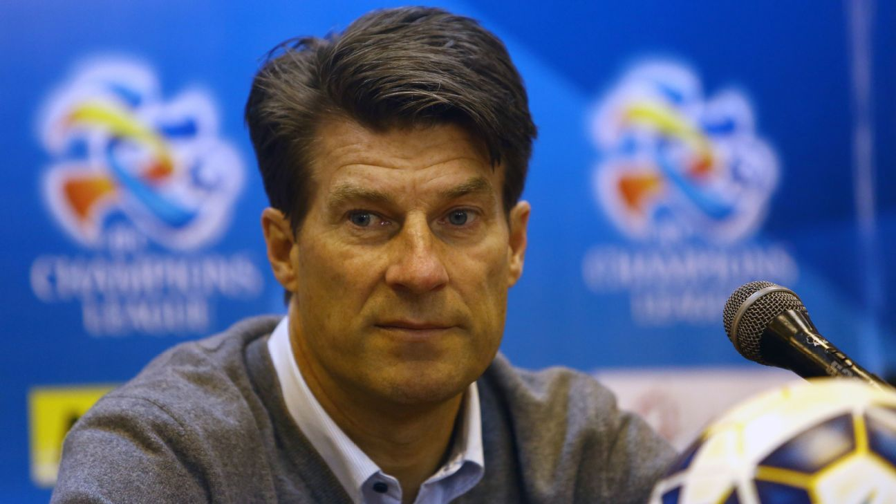Michael Laudrup in mix for vacant Mexico job source