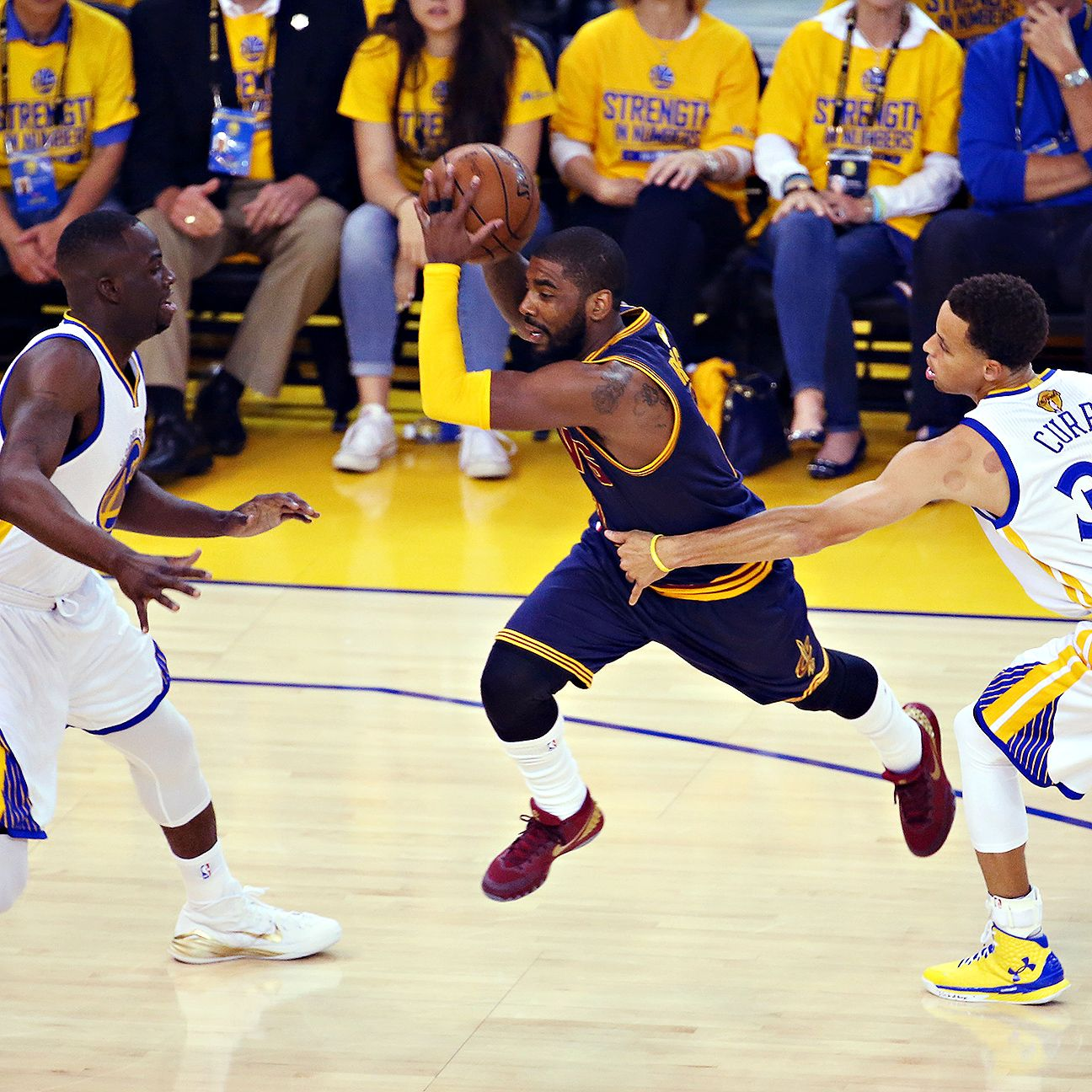 Emotions run high after Kyrie Irving's knee setback - Cleveland Cavaliers Blog - ESPN