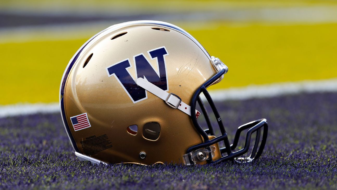 ESPN 300 defensive tackle Faatui Tuitele, from Hawaii, announced he has committed to the Washington Huskies.