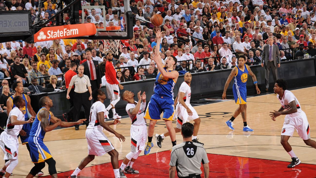 Golden State Warriors lose Game 3 to Portland Trail ...