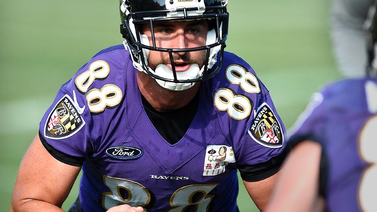 Baltimore Ravens Quarterback Joe Flacco Ribs Tight End