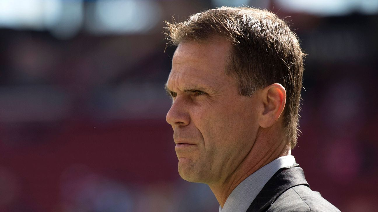 49ers make it official: Kelly, GM Baalke both out