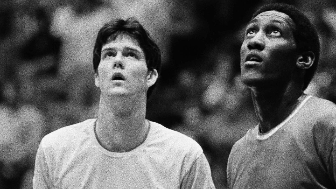 Son of 1981 Indiana Hoosiers player pens a moving tribute to his late father prior to IU's win ...