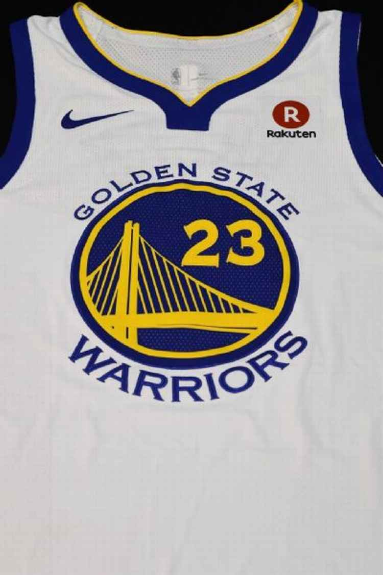Darren Rovell  BREAKING   warriors sign jersey patch deal with ... a790166f5