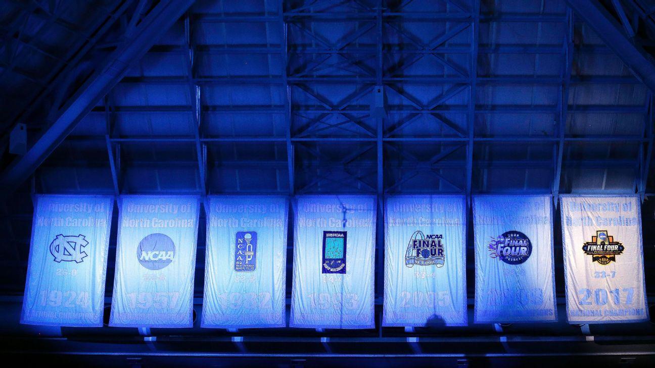 North Carolina Tar Heels unveil 2017 NCAA championship banner at March Madness