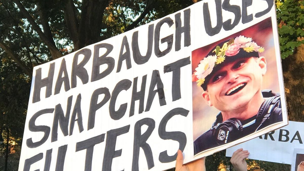 Best GameDay signs: No love for Harbaugh