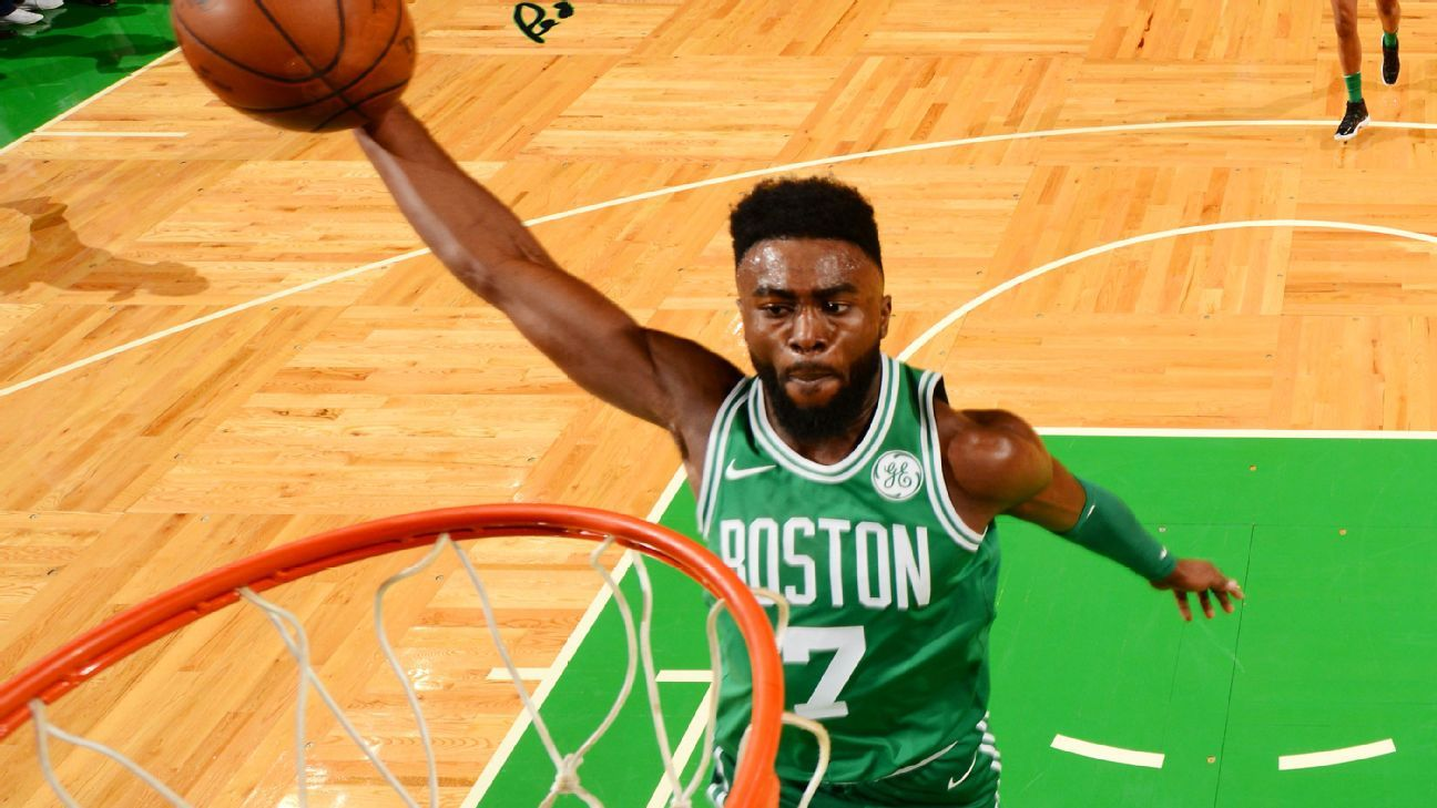 NBA -- Boston Celtics take 14th straight win, top Golden State Warriors