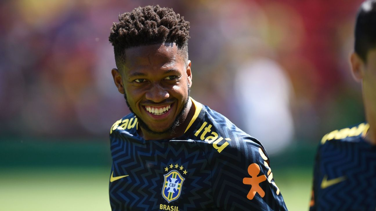 Man Utd's Fred sits out Brazil training with injury