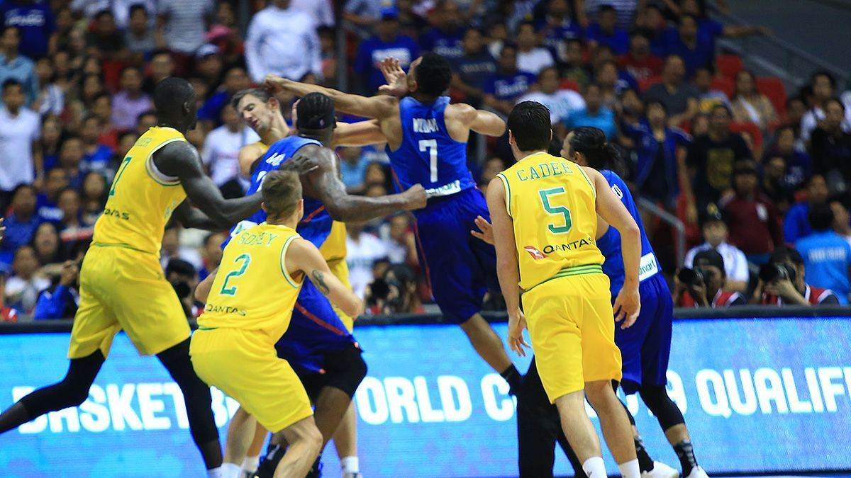 Fight breaks out during Gilas-Australia game