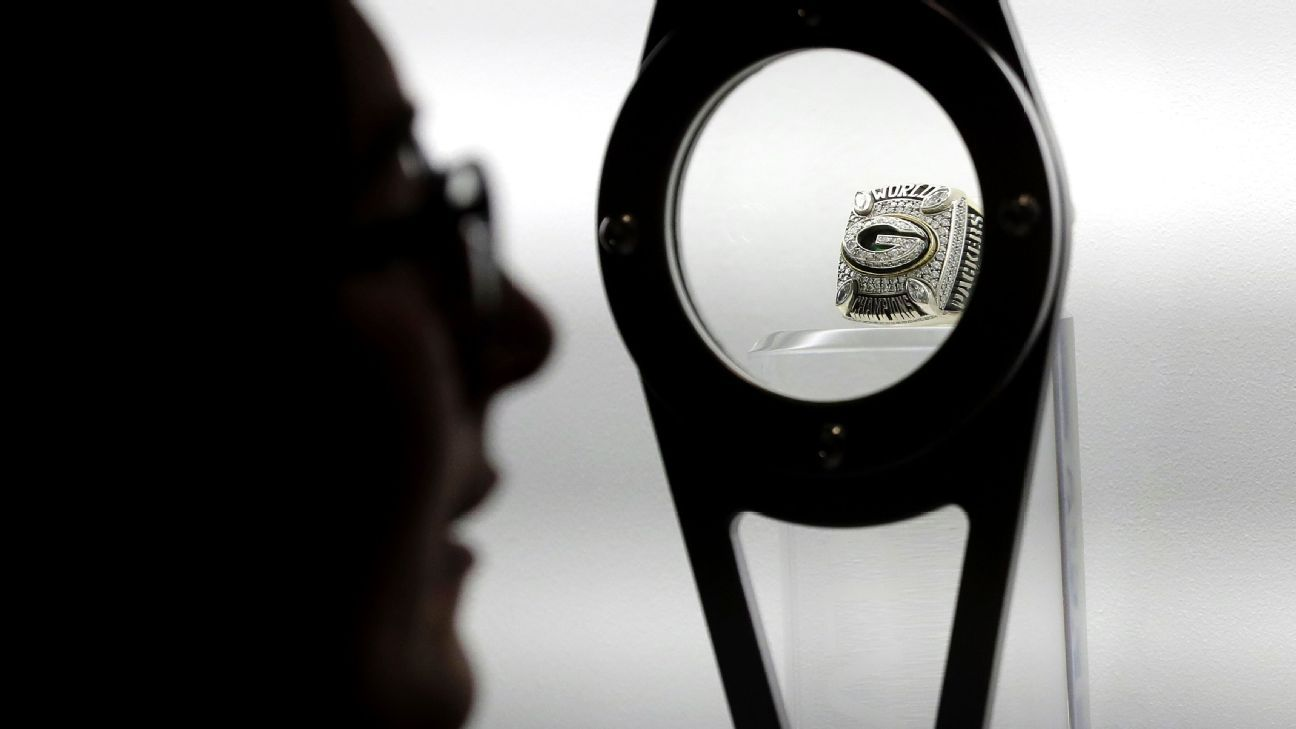 Federal authorities say they have intercepted a shipment of 108 phony replica Super Bowl rings representing many champion teams, including the Philadelphia Eagles.