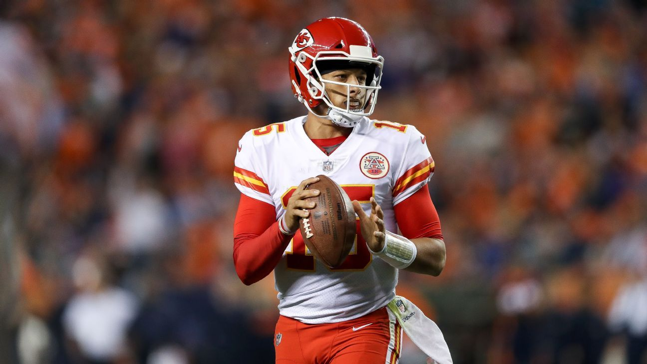 Patrick Mahomes rallied the Chiefs to a brief comeback lead in the fourth quarter, but Kansas City lost its first game with Mahomes starting under center on Sunday at New England.