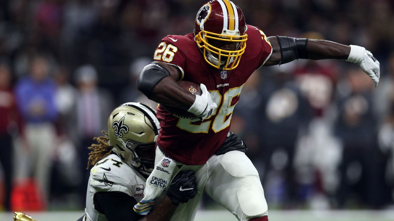 Redskins running back Adrian Peterson injured his shoulder Monday night against the Saints, but he is expected to play Sunday against the Panthers, a source said.
