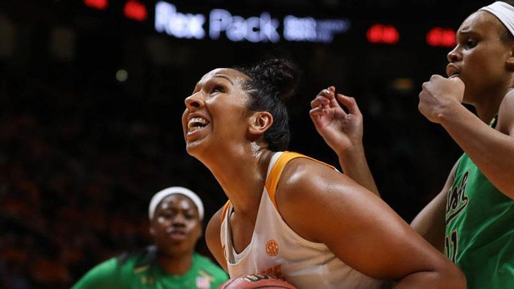 Lady Vols rally late to upset No. 6 Irish 71-69