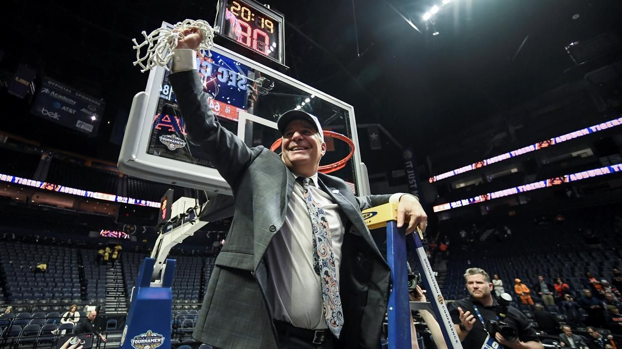 Auburn embracing madness of March