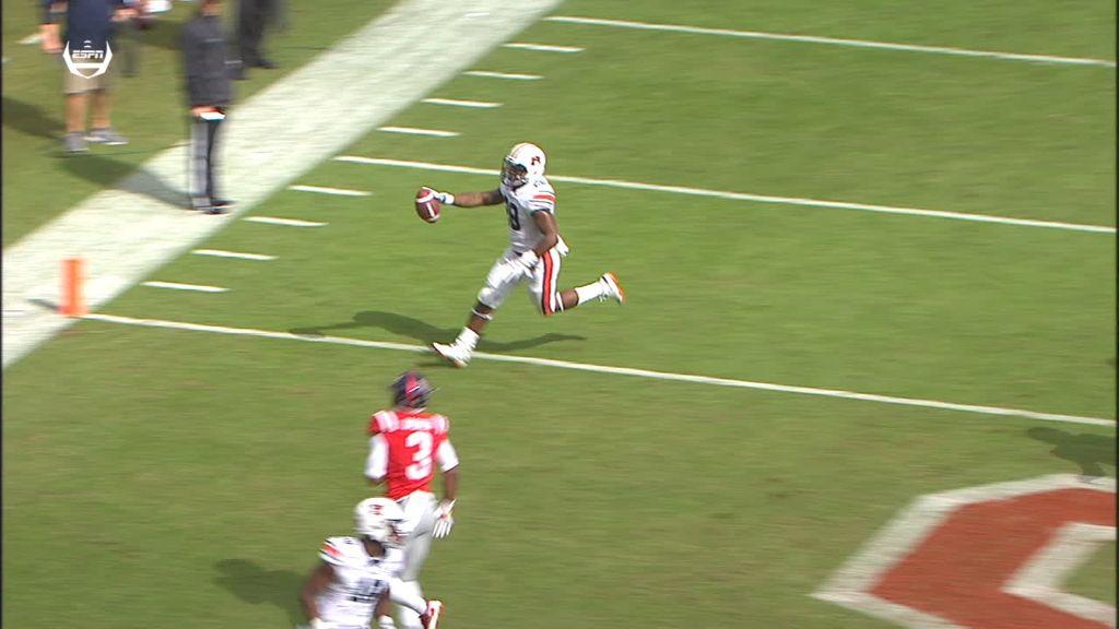 Auburn strikes first with TD throw
