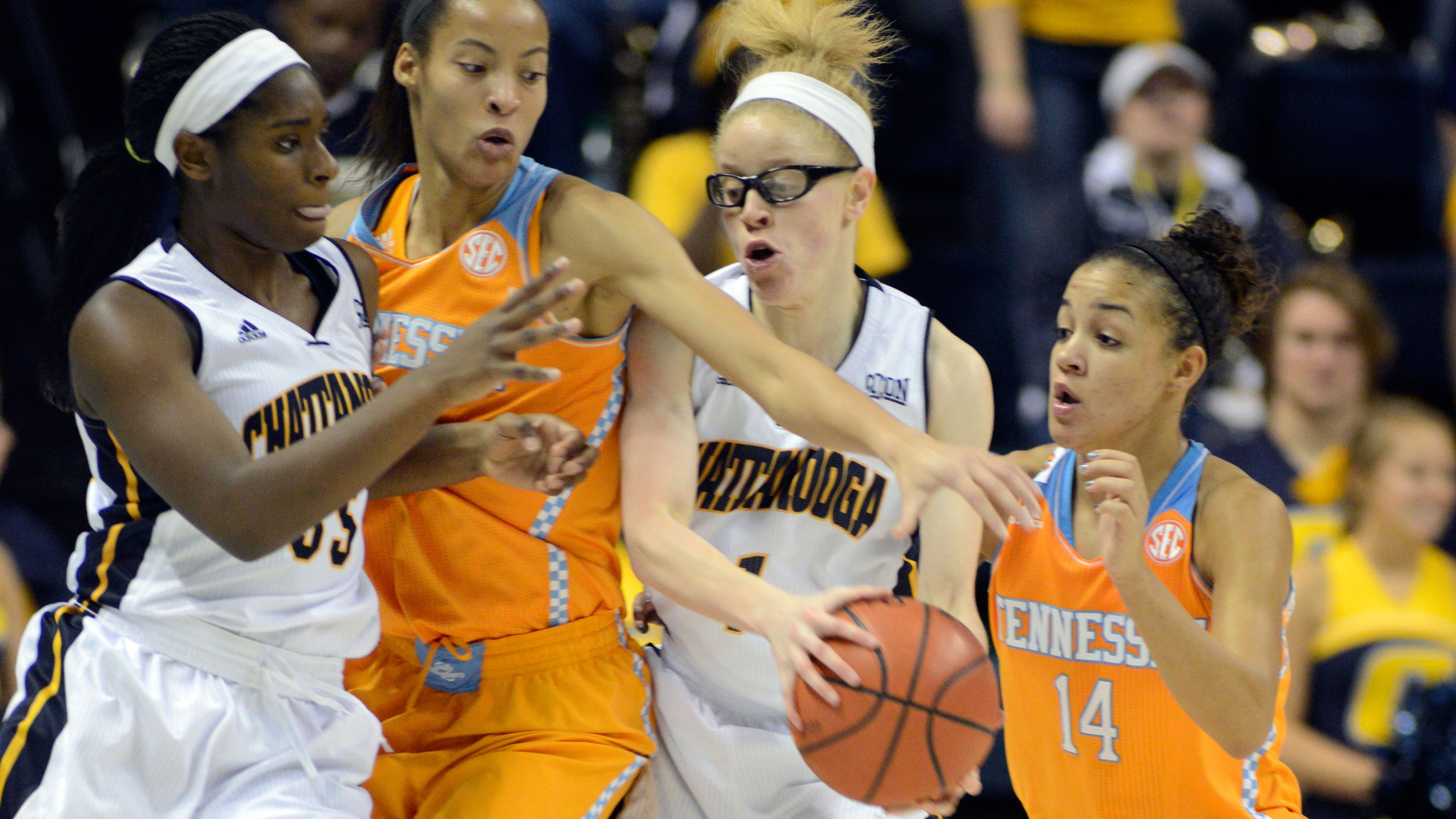 Chattanooga upends No. 4 Tennessee