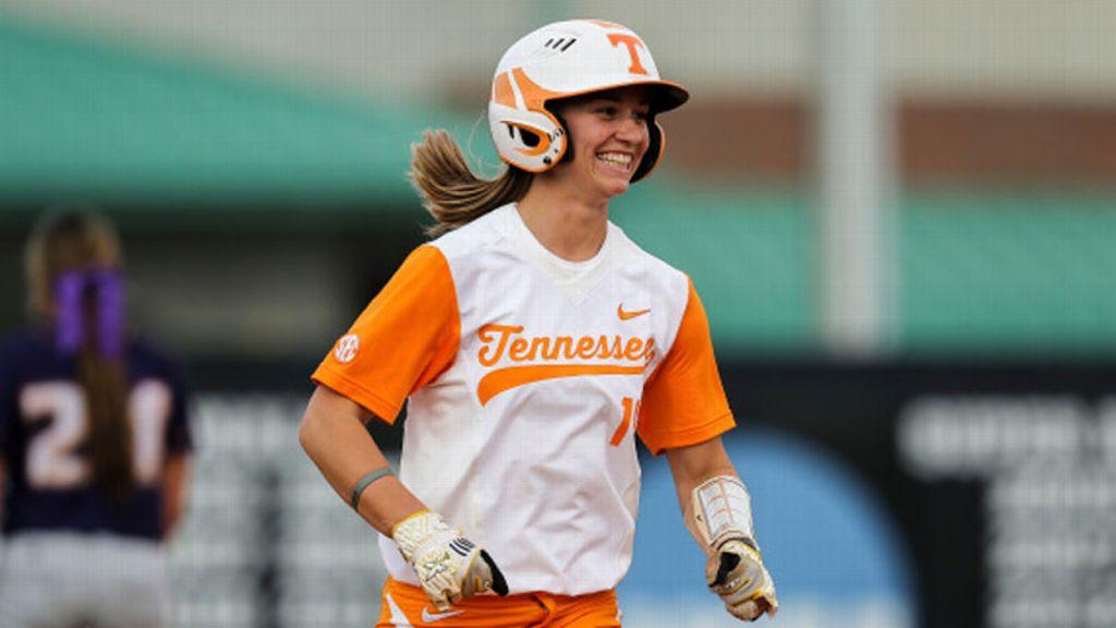 No. 12 Tennessee knocks off No. 3 Auburn