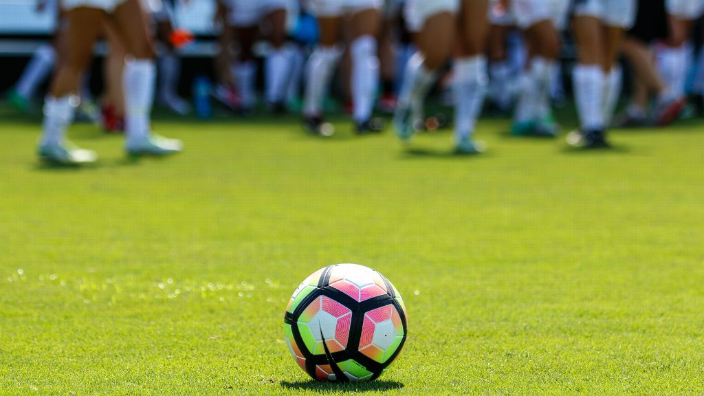 SEC unveils 2017 soccer preseason watch list