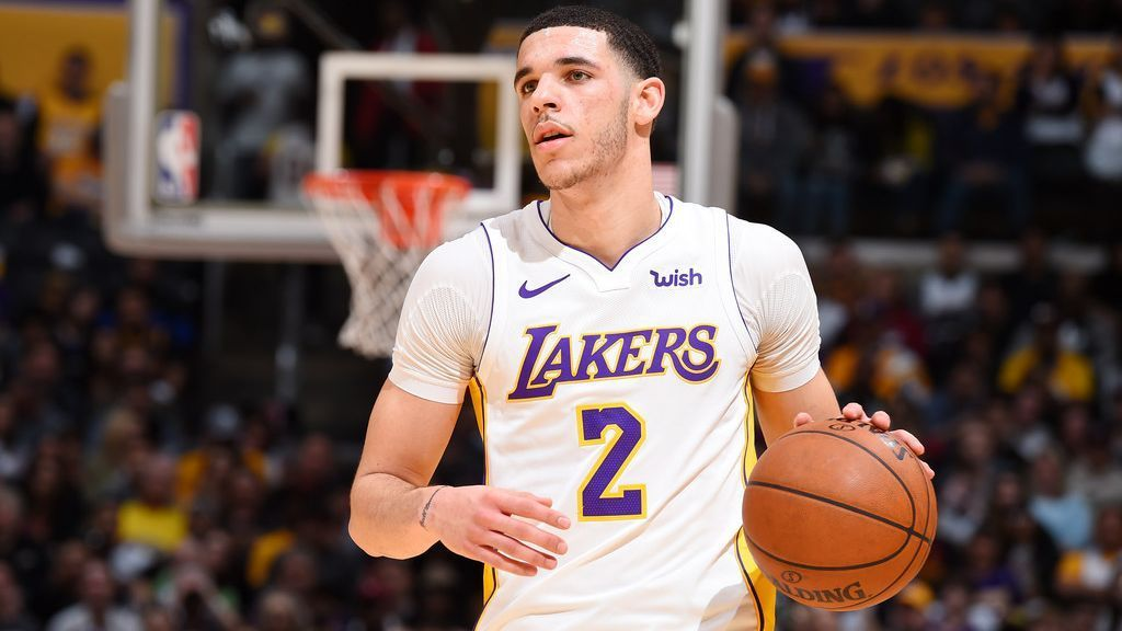 Sources: Lakers' Ball has torn left meniscus