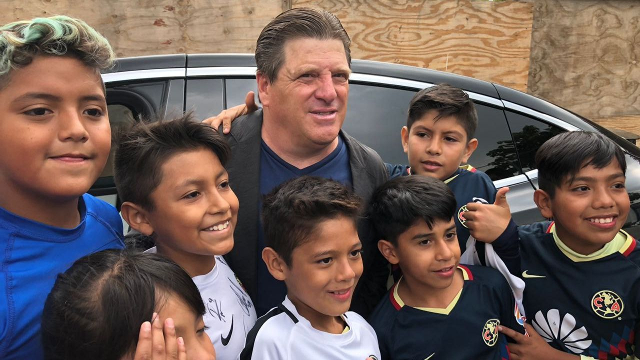 Miguel Herrera relies on FMF to eradicate double contracts