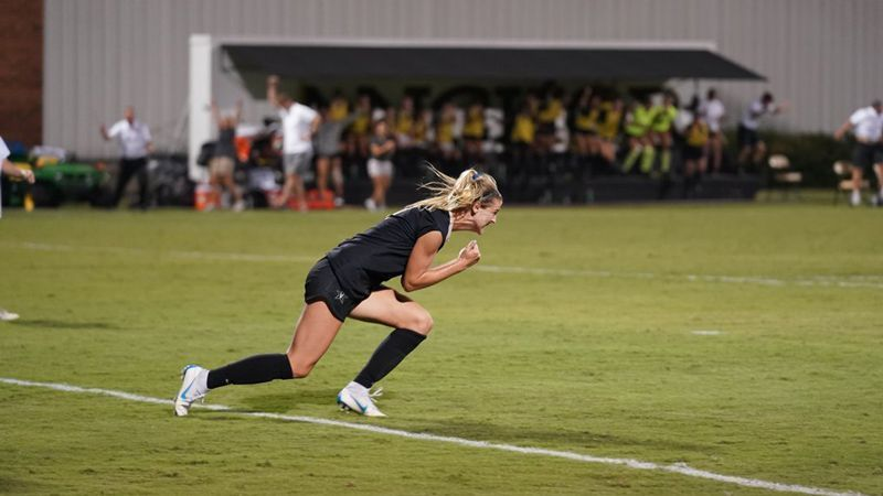 Vanderbilt takes down Florida 2-1