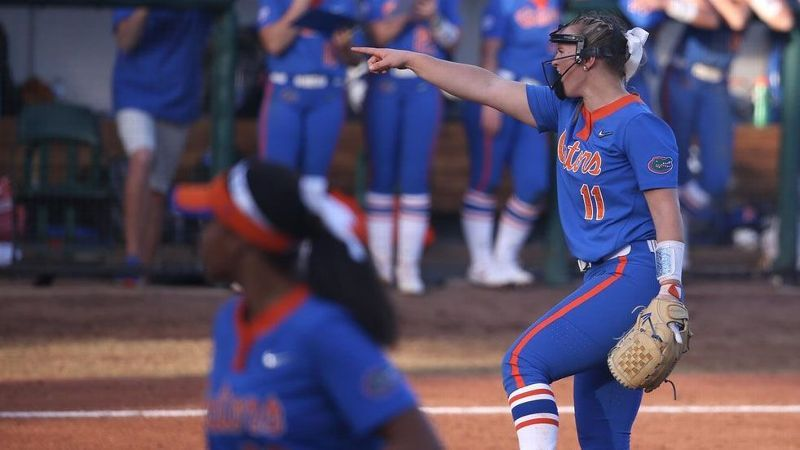 No. 4 Florida sweeps doubleheader