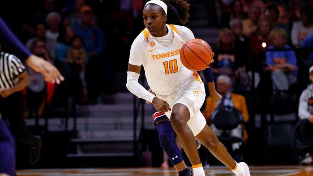 Tennessee cruises past Ole Miss