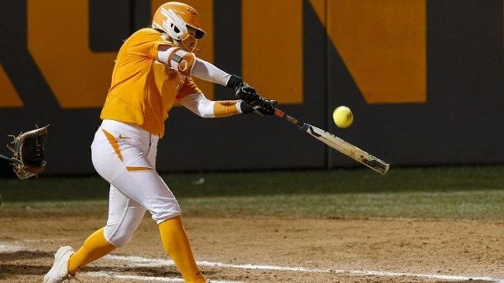 No. 5 Tennessee handles Middle Tennessee