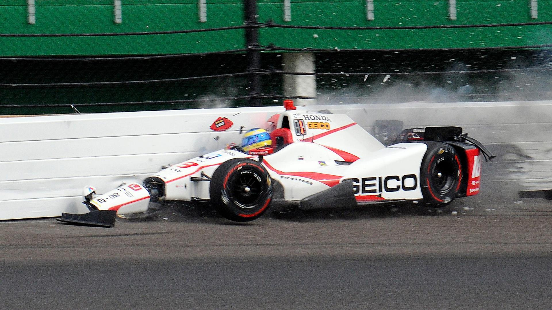 sebastien bourdais crashes at indianapolis 500 qualifying has surgery on fractured pelvis. Black Bedroom Furniture Sets. Home Design Ideas