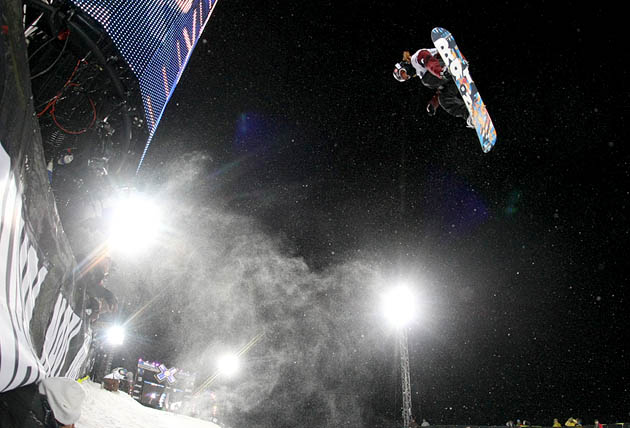 Shaun White on his way to his second consecutive Superpipe gold.