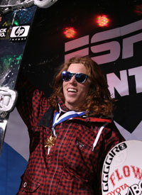 Shaun White won his fifth straight ESPY award at the 17th annual awards ceremony Wednesday night at the Nokia Theater in Los Angeles.