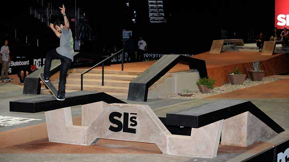 Chris Cole frontside bluntslides on his way to qualifying first.