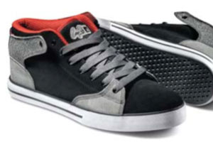 A peak at the new Cooper Wilt pro model shoe from Duffs.