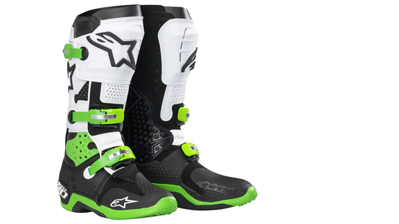 The Alpinestars Tech 10 is THE standard when it comes to motocross boots.
