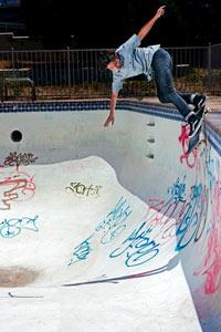Donovan Piscopo is a young kid with a classic style as evidenced by this backyard backside Smith.