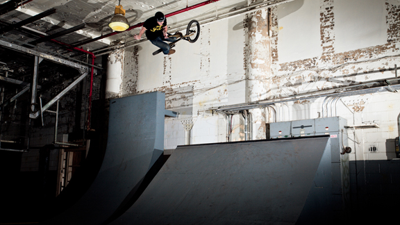 Not many people in the world had ever seen Van Homan do an uprail grind to nothing half barspin before Van's Bakery section.