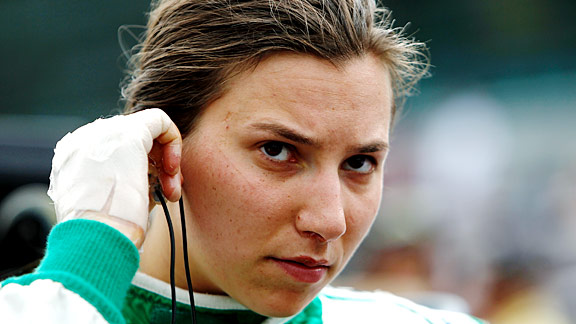 Simona de Silvestro wrote herself into Indy 500 lore by returning to qualify with second-degree burns on her hands two days after flipping her car in a crash during practice.