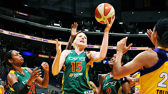 Seattle went 1-1 against Phoenix during Lauren Jackson's recuperation from a hip injury.
