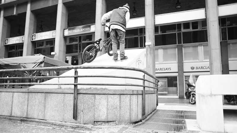 /photo/2011/1215/as_bmx_simone7_800.jpg