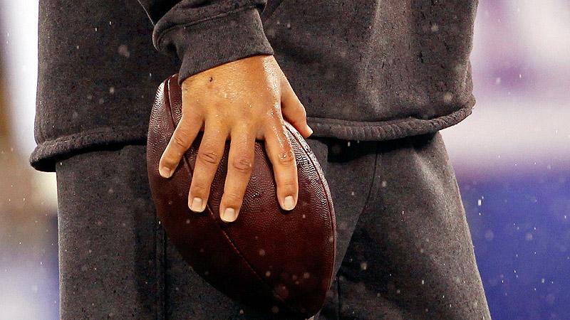 Tony Romo's Hand