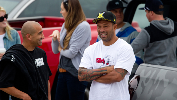 Bobby Martinez and Sunny Garcia, talking shop.