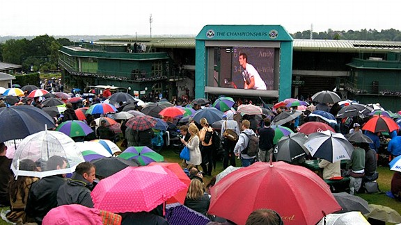 Fans clamored to see local hero Andy Murray play in the men's final on Sunday.